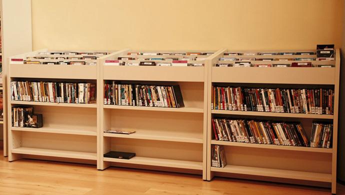 Delaooliva biblioteca p blica mar a barbal for Muebles de biblioteca