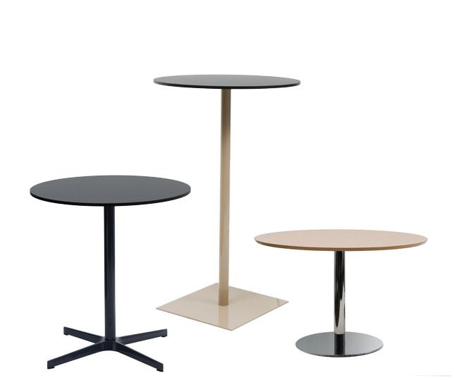 Wing, mesas versátiles y polivalente con un diseño neutro y funcional que permite múltiples usos: en la oficina moderna y actual donde los lugares de reunión y trabajo en equipo son la tendencia, restauración, formación, hogar, contract...
